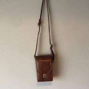 Handbags - Beautiful vintage leather rectangle camera bag